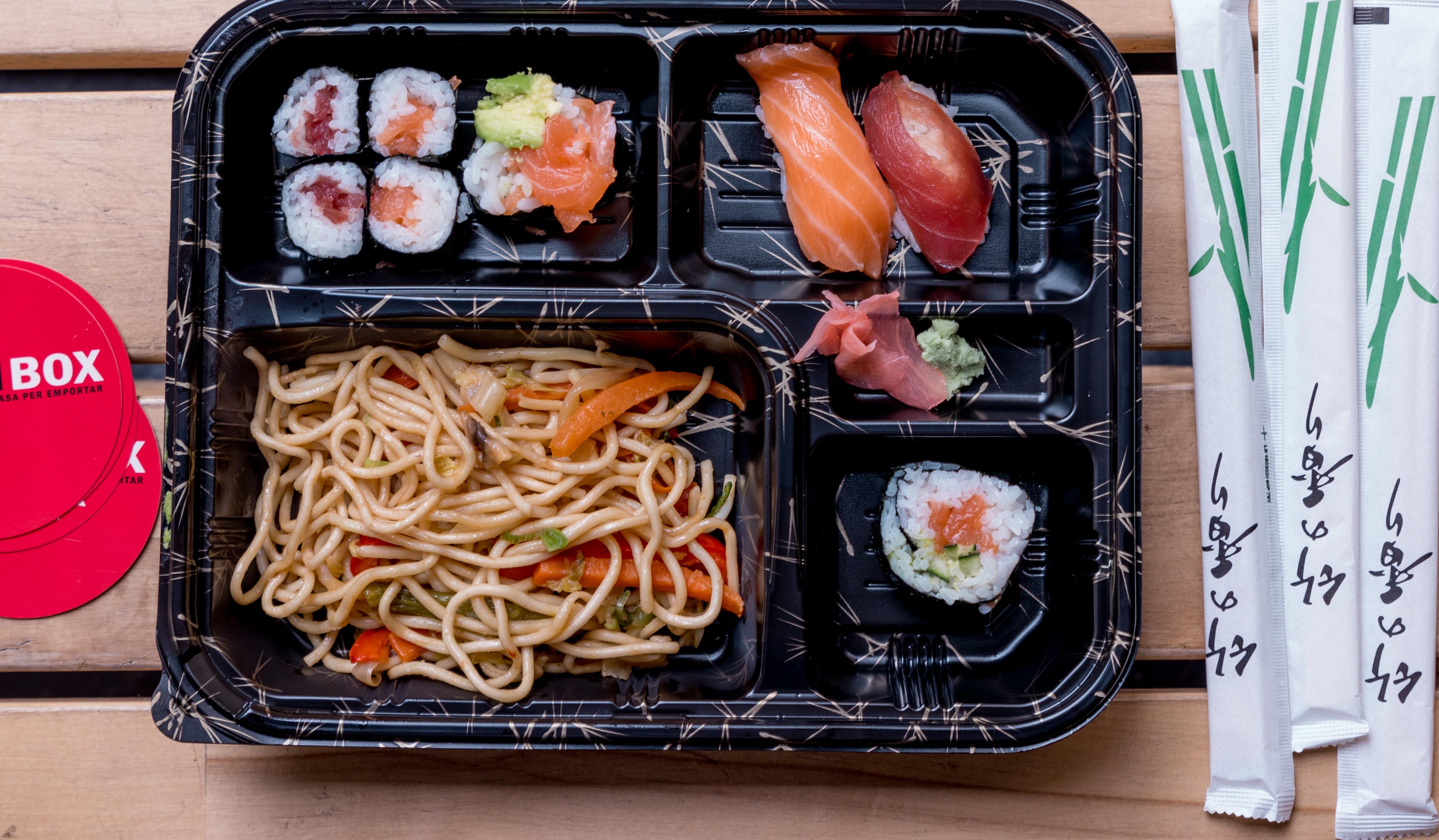 Menú Sushi & Fideos